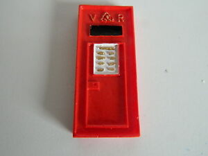 (G3.15) 1/12th scale DOLLS HOUSE RESIN RED WALL POST BOX