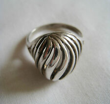 Sterling Silver .925 • Striped Dome Top Ring • 5.2g • Sz 8 • EUC • Striking!