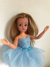 BEAUTIFUL HTF AUBURN HAIRED ACTIVE SINDY DOLL 033055X IN BLUE BALLERINA OUTFIT