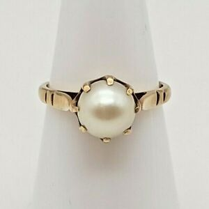 A Lovely, Unique 9ct Yellow Gold Pearl Ring