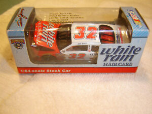 #32 Dale Jarrett 1998 White Rain Hair Care Ford 1/64 Action RCCA H/O Diecast