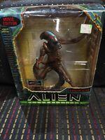 Alien Resurrection Warrior Alien Action Figure Movie Edition Kenner 1997