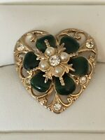 Vintage Coro Brooch Pin Goldtone Heart W Enamel Pearl And Rhinestone Flower