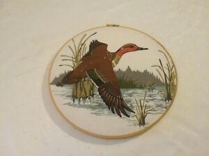 Painted screen embroidery wooden hoop duck scene