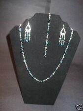 A Two Tone Necklace Set
