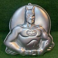 Vintage Wilton 1989 Batman Metal Cake Pan Baking Mold 2105-6501 DC Comic