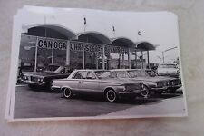 1964 PLYMOUTH VALIANT LINE UP IN FRONT OF DEALER  11 X 17  PHOTO  PICTURE