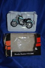 "COLLECTABLE WELLY ""HONDA SHADOW VT1100C"" - Motorbike Model Scale 1:18"