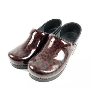 Dansko Clogs 39 Brown Tortoise Leopard Cheetah Print Patent Leather Shoes