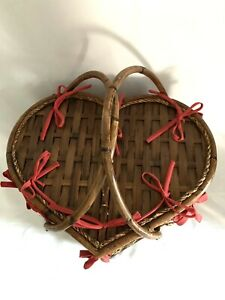 "18""x 10"" Heart Shaped Double Handled Wicker Picnic Basket Flowers Embroidered"