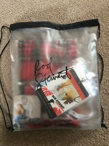 ROD STEWART VIP PROMO PACK.2019 BLOOD RED ROSES.SIGNED PIC.SCARVE.SOCKS.PASS ETC
