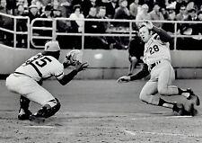 1971 UPI Wire Photo LA Dodgers Wes Parker & Pittsburgh Pirates Manny Sanguillen