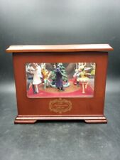Mr Christmas Gold Showcase Nutcracker Animated Scene Wood Music Box