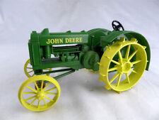 Deere Model D Die-cast model tractor Ertl 1-16