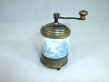 Unusual Small Tischmühle/Spice Mill/ Mill Um 1900