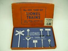 #309 Lionel Yard Set / Sign Set in Original Box