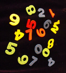 20 Wooden Coloured Numbers (2 of each) Card Topper Embellishments
