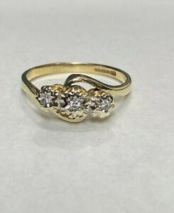 9CT GOLD DIAMOND TRILOGY RING SIZE P