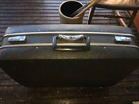 "Vintage Royal Traveller Hard Shell Dark Suitcase Luggage 23"" x 18"" x 7"""