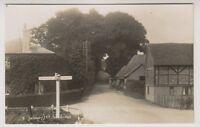 Hampshire postcard - Salisbury Hill, Stockbridge - RP (A127)