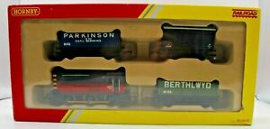 Hornby Railroad Train Pack Class 08 513 Shunter with Three Freight Wagons Boxed
