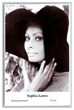 Sophia Loren (C) Swiftsure Postcard year 2000 modern print 20/130 glamour photo