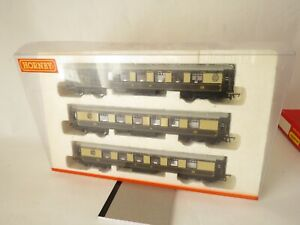 Hornby OO Gauge Pullman Coaches x3 - Unboxed