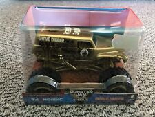 Monster Jam 1/24 Exclusive Gold Grave Digger RARE / RETIRED WORLDWIDE SHIPPING