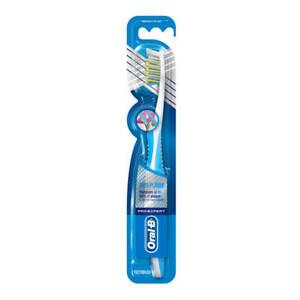 Oral-B Pro-Expert CrossAction Anti-Plaque Charcoal Medium Soft Manual Toothbrush