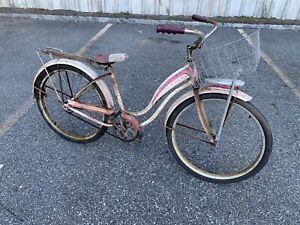 VTG SCHWINN 1950s GIRLS BIKE  With Basket  🧺 , Garden needs cleaning up