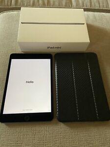 Apple iPad Mini (5th Generation) 64GB, Wi-Fi, 7.9in - Space Gray Great Conditi
