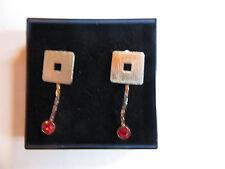 1 Paar Ohrstecker Silbernes Quadrat + Hänger + roter Stein, Größe: ca 1 x 2,5 cm