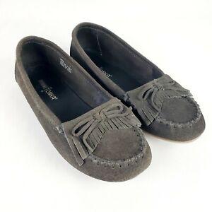 Minnetonka Women's Kilty Moccasin Slippers Grey Size 7 charcoal loafers