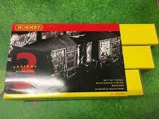 Hornby R6156 Assorted private owner wagons - Pack of 3