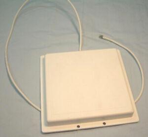 Hyperlink Technologies  (L-COM)  2.4 GHz 14 dBi Flat Patch Antenna Model RE14P