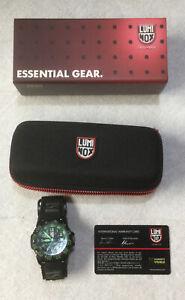 Luminox Watch Series 3050 / 3950 Green / Black Dial w/ Original Box & Case