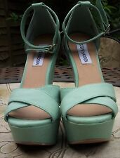 STEVE MADDEN Pale Green Peep Toe Very High Wedge Heel Party  Shoes Size 5