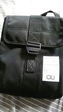 CALVIN KLEIN CROSS BODY/SHOULDER BAG UNISEX  (BRAND NEW)