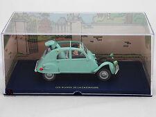 Miniature En voiture Tintin Les Bijoux de la Castafiore 2 CV Emboutie Dupont