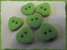 6 BOUTONS COEUR vert 12 mm 1,2 cm  2 trous green heart Button sewing lot couture