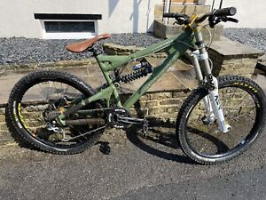 santa cruz VP Downhill Bike