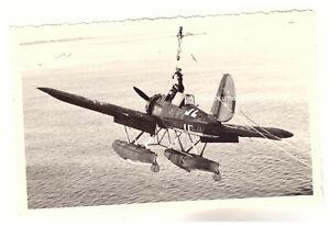 Foto AK 2.WK Einsetzen Bord Flugzeug Arado Kriegsschiff Kreuzer Nürnberg (88)