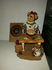 Boyds Bears & Friends #228414 ~ Momma Bearybake w Lil' Tart...Made with Love 4E