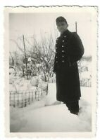 Foto, Soldat in Uniform, Winterlandschaft