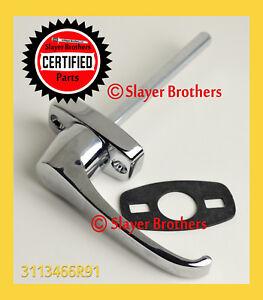 NEW! 3113466R91 CASE / IH Door Handle with Rubber Gasket - FREE US SHIP