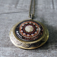 Round Picture Locket Pendant Necklace Gothic Medieval Pattern Glass Dome Brass