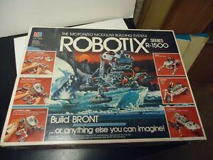 1985 robotix R-1500 series missing 2 small parts nice box