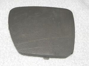 2001-2006 Hyundai Santa Fe Rear Quarter Panel Shock Bolt Cover GRAY Left Side