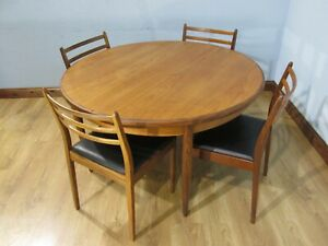 MID CENTURY VINTAGE ROUND EXTENDING TEAK TABLE & CHAIRS BY G PLAN