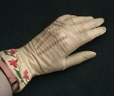 Vintage White Kid Gloves With Embroidered Flowers Small